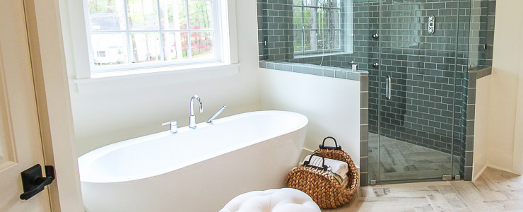 Http Www Prettyhandygirl Com 12 Inexpensive Ways Decorate Bathroom